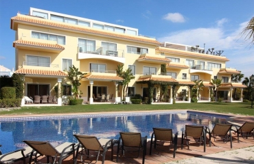 Stylish 3 bedroom duplex apartment in Ferragudo