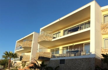 Luxurious T2 apartment walk to beach and village in Ferragudo