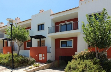 Spacious house with communal pool between Portimão and Alvor