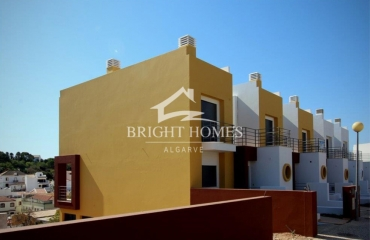 New spacious house in prime location at the centre of Ferragudo