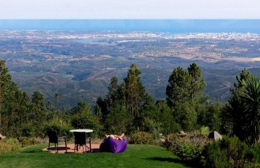 Successful B & B with majestic view over the Algarve