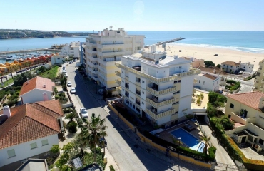 Double apartment in prime location on the beautiful beach of Praia da Rocha