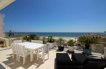 360 degrees view from 3 bedroom penthouse Praia da Rocha Portim�o