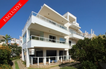 Deluxe 3 bedroom apartment in old town Ferragudo