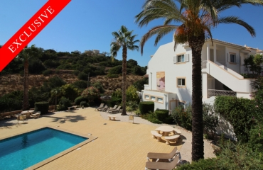 Rare ground floor corner apartment in Ferragudo Valley Park