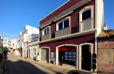 Generous double apartment on the edge of Alvor�s old village