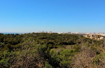 Large plot with building rights for a villa near the coast at Ferragudo