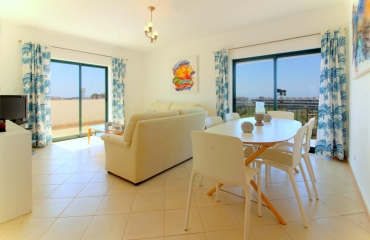 One bedroom apartment with spacious terrace and ocean view at Alvor